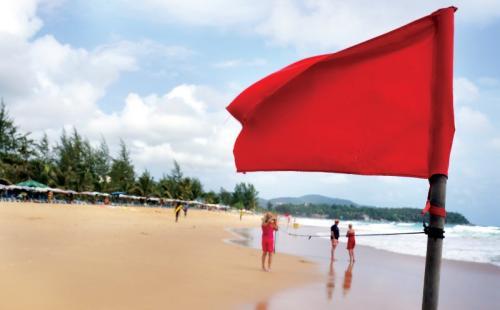 Tipos de banderas en la playa, ¿qué significa cada una?