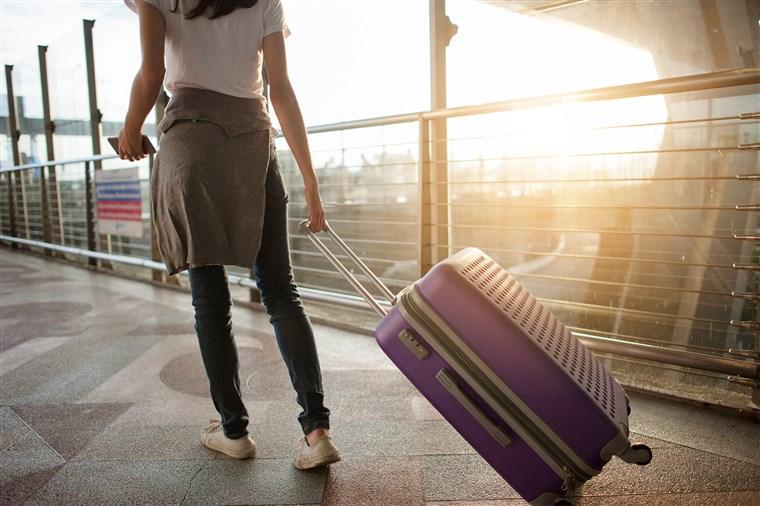 ¿Cómo empezar a viajar solo?